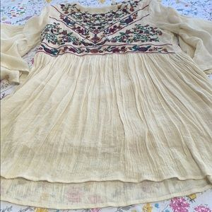 Umgee cream top with embroidery, size large